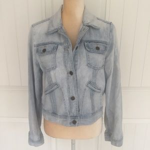 Gap distressed light jean jacket size Large
